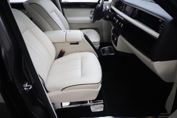 Used 2013 Rolls-Royce Phantom for sale Sold at Maserati of Westport in Westport CT 06880 18