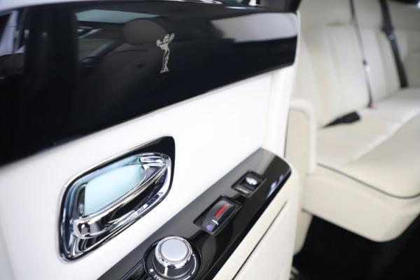 Used 2013 Rolls-Royce Phantom for sale Sold at Maserati of Westport in Westport CT 06880 22