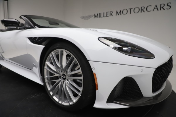 New 2020 Aston Martin DBS Superleggera Volante Convertible for sale $353,931 at Maserati of Westport in Westport CT 06880 24