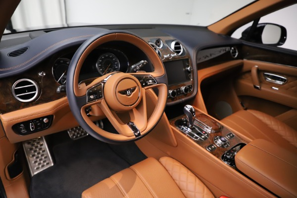 Used 2017 Bentley Bentayga W12 for sale $135,900 at Maserati of Westport in Westport CT 06880 13