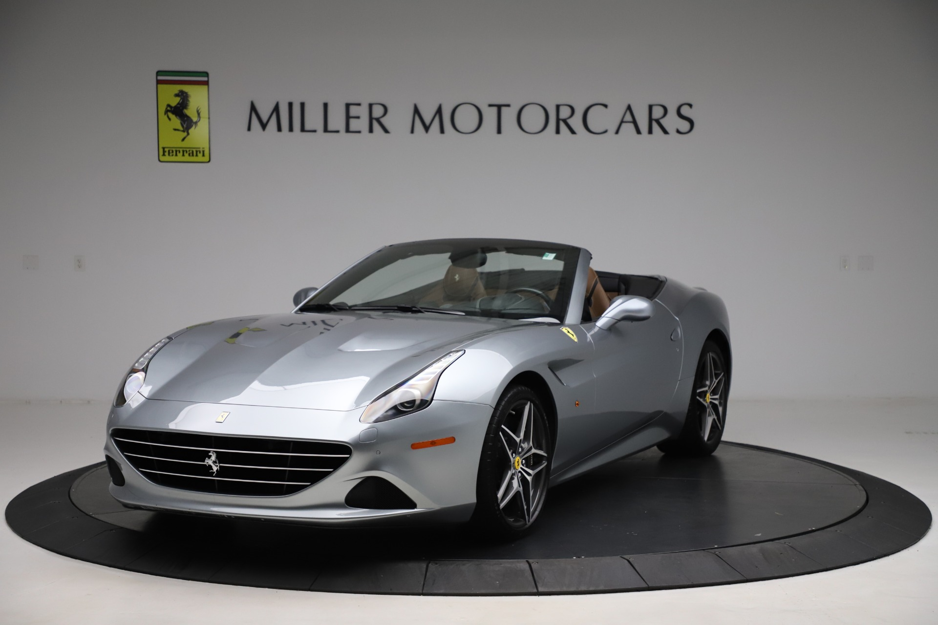 Used 2016 Ferrari California T for sale $142,900 at Maserati of Westport in Westport CT 06880 1