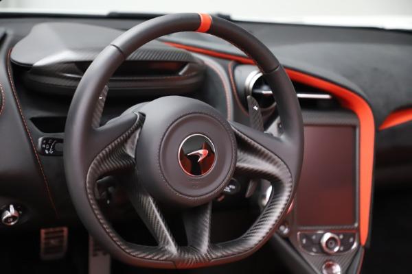 New 2020 McLaren 720S Spider Performance for sale $386,289 at Maserati of Westport in Westport CT 06880 22