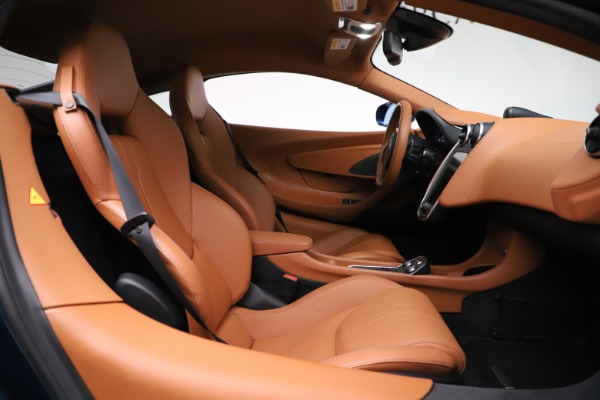 Used 2017 McLaren 570S for sale $154,900 at Maserati of Westport in Westport CT 06880 19