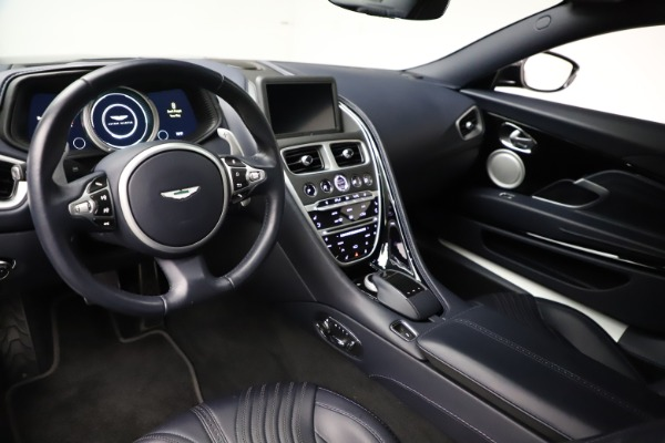 Used 2017 Aston Martin DB11 V12 for sale $129,900 at Maserati of Westport in Westport CT 06880 13