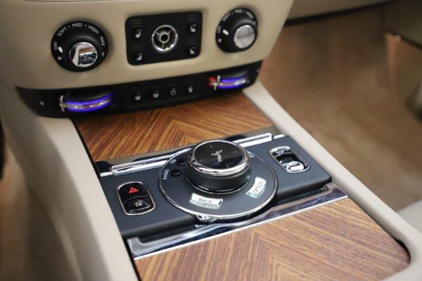 Used 2016 Rolls-Royce Dawn for sale $239,900 at Maserati of Westport in Westport CT 06880 27