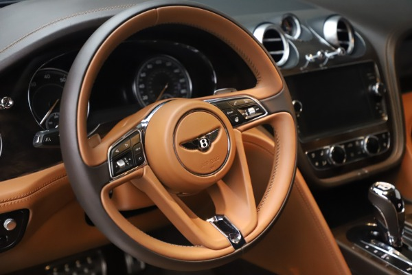 Used 2017 Bentley Bentayga W12 for sale Sold at Maserati of Westport in Westport CT 06880 18