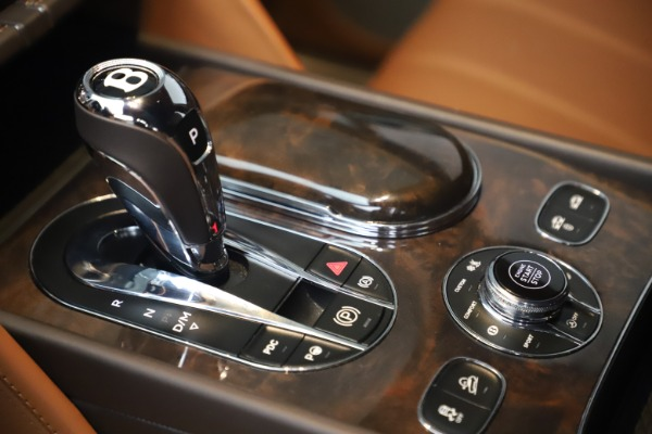 Used 2017 Bentley Bentayga W12 for sale Sold at Maserati of Westport in Westport CT 06880 26
