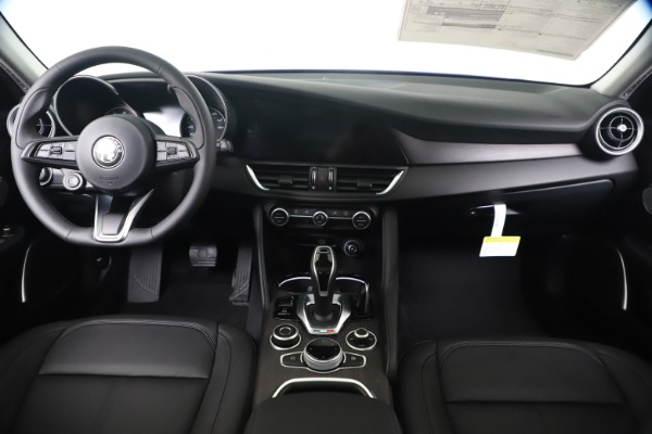 New 2020 Alfa Romeo Giulia Ti Q4 for sale $49,245 at Maserati of Westport in Westport CT 06880 16