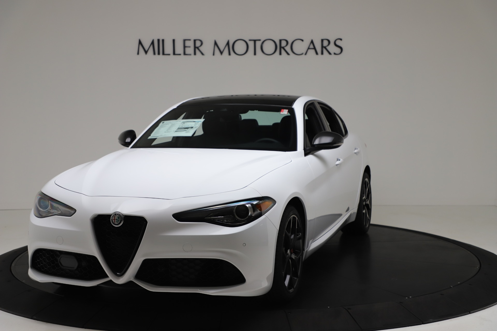 New 2020 Alfa Romeo Giulia Sport Q4 for sale $49,145 at Maserati of Westport in Westport CT 06880 1