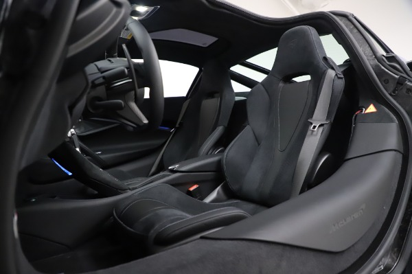 New 2020 McLaren 720S Coupe for sale $349,050 at Maserati of Westport in Westport CT 06880 22
