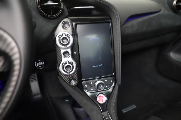 New 2020 McLaren 720S Coupe for sale $347,550 at Maserati of Westport in Westport CT 06880 23