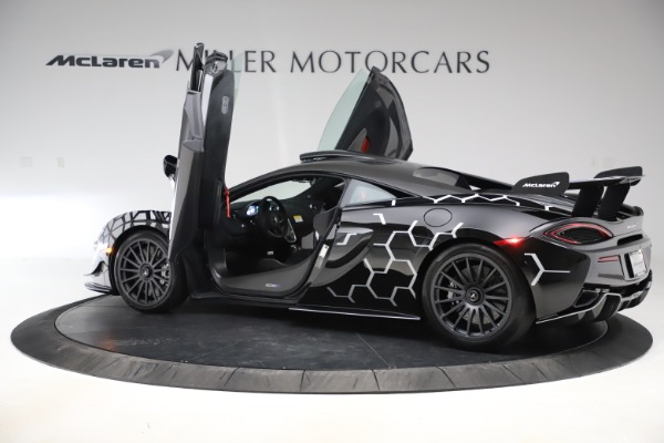 New 2020 McLaren 620R Coupe for sale $338,495 at Maserati of Westport in Westport CT 06880 12