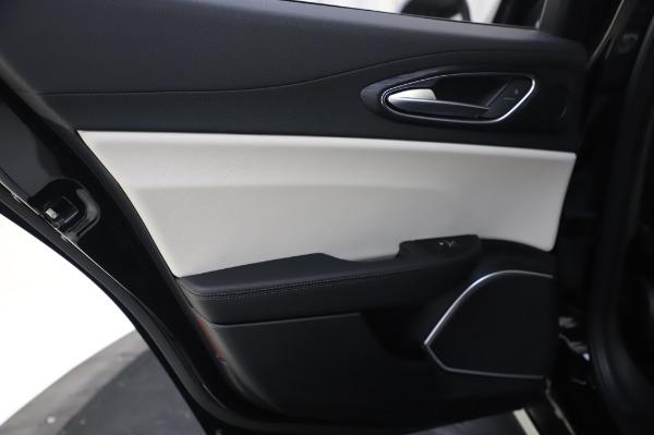 New 2020 Alfa Romeo Giulia Sport Q4 for sale $47,095 at Maserati of Westport in Westport CT 06880 22