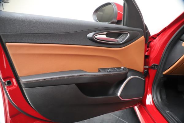New 2020 Alfa Romeo Giulia Q4 for sale $46,395 at Maserati of Westport in Westport CT 06880 17