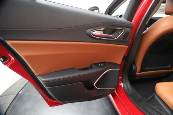 New 2020 Alfa Romeo Giulia Q4 for sale $46,395 at Maserati of Westport in Westport CT 06880 21
