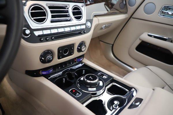 Used 2017 Rolls-Royce Dawn Base for sale $248,900 at Maserati of Westport in Westport CT 06880 28