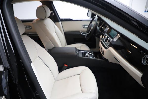 Used 2015 Rolls-Royce Ghost for sale $156,900 at Maserati of Westport in Westport CT 06880 16