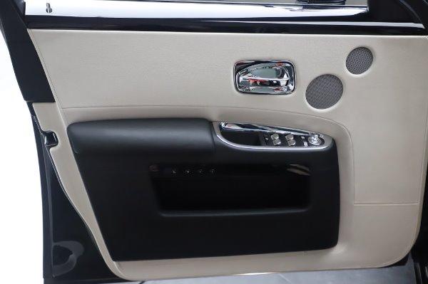 Used 2015 Rolls-Royce Ghost for sale $156,900 at Maserati of Westport in Westport CT 06880 27