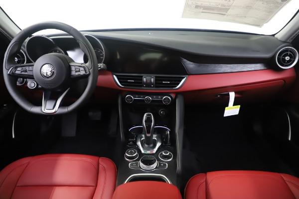 New 2020 Alfa Romeo Giulia Q4 for sale $48,445 at Maserati of Westport in Westport CT 06880 16