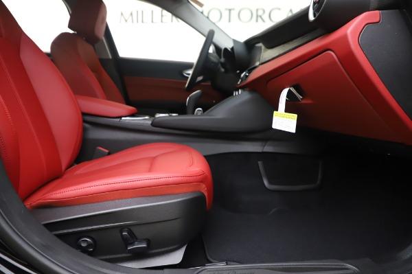 New 2020 Alfa Romeo Giulia Q4 for sale $48,445 at Maserati of Westport in Westport CT 06880 23