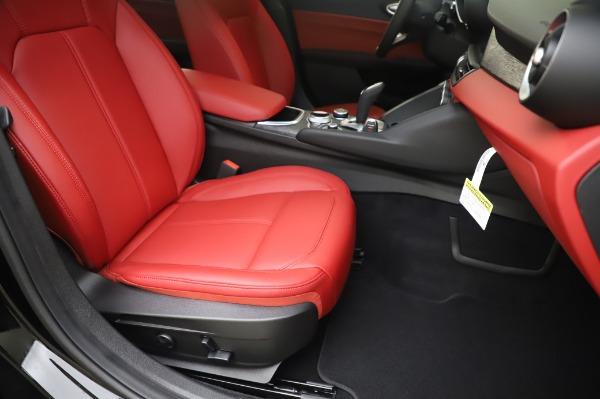 New 2020 Alfa Romeo Giulia Q4 for sale $48,445 at Maserati of Westport in Westport CT 06880 24