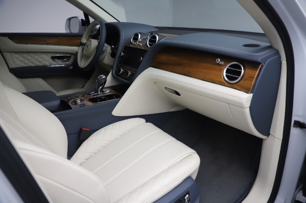 New 2020 Bentley Bentayga Hybrid for sale $220,475 at Maserati of Westport in Westport CT 06880 26