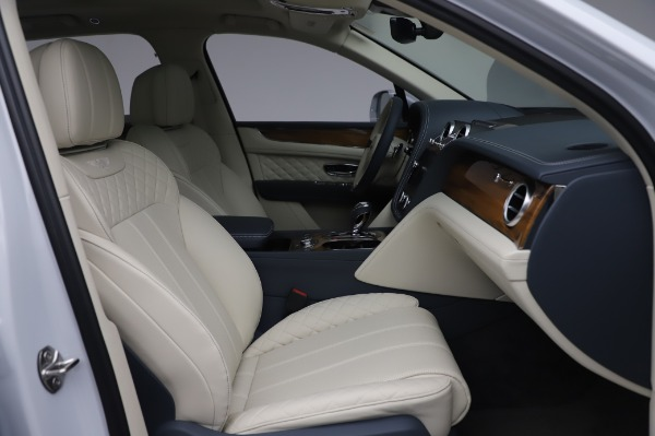New 2020 Bentley Bentayga Hybrid for sale $220,475 at Maserati of Westport in Westport CT 06880 27