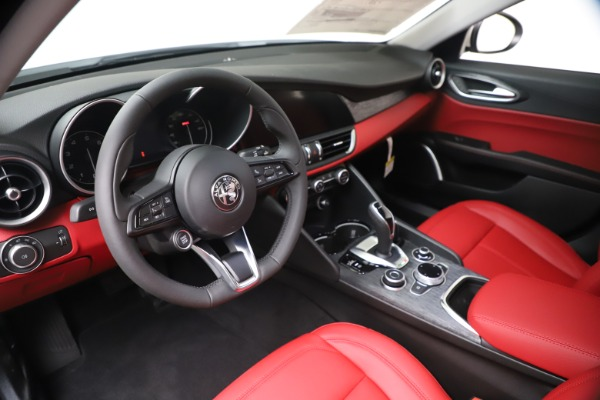 New 2020 Alfa Romeo Giulia Q4 for sale $44,845 at Maserati of Westport in Westport CT 06880 13