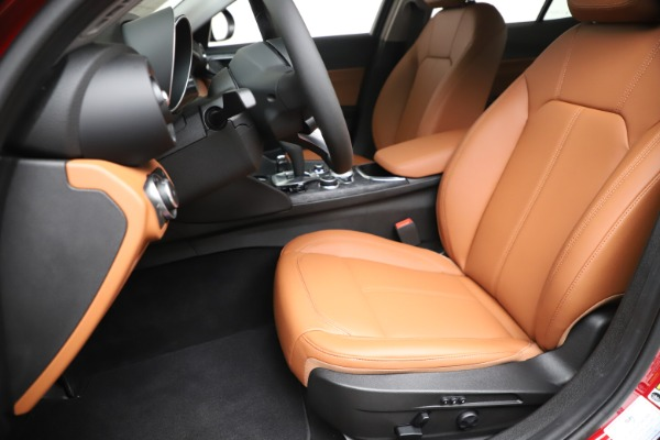 New 2020 Alfa Romeo Giulia Q4 for sale $40,466 at Maserati of Westport in Westport CT 06880 15