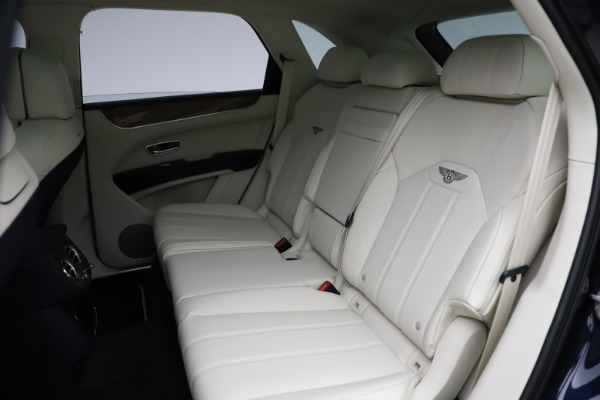 New 2021 Bentley Bentayga V8 for sale Sold at Maserati of Westport in Westport CT 06880 25