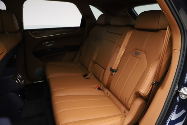 New 2021 Bentley Bentayga V8 for sale $203,205 at Maserati of Westport in Westport CT 06880 23