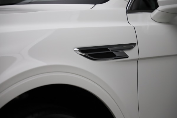 New 2021 Bentley Bentayga V8 for sale Sold at Maserati of Westport in Westport CT 06880 17