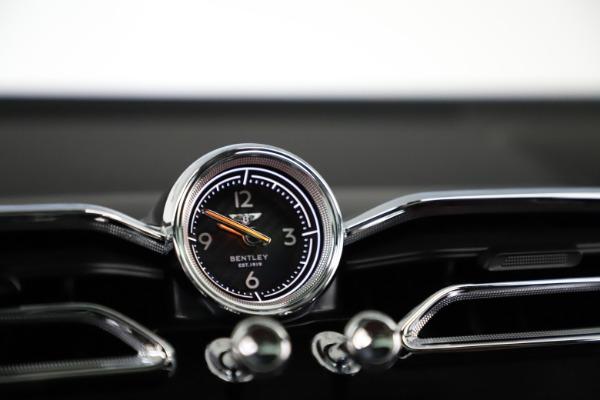 New 2021 Bentley Bentayga V8 for sale Sold at Maserati of Westport in Westport CT 06880 26
