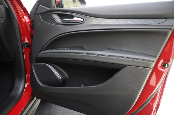 New 2020 Alfa Romeo Stelvio Q4 for sale $47,645 at Maserati of Westport in Westport CT 06880 25