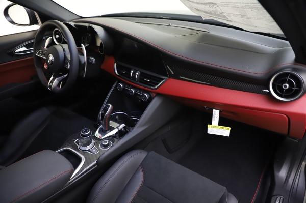 New 2020 Alfa Romeo Giulia Quadrifoglio for sale $82,445 at Maserati of Westport in Westport CT 06880 23