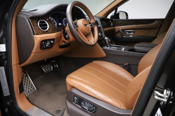 Used 2017 Bentley Bentayga W12 for sale $138,900 at Maserati of Westport in Westport CT 06880 17