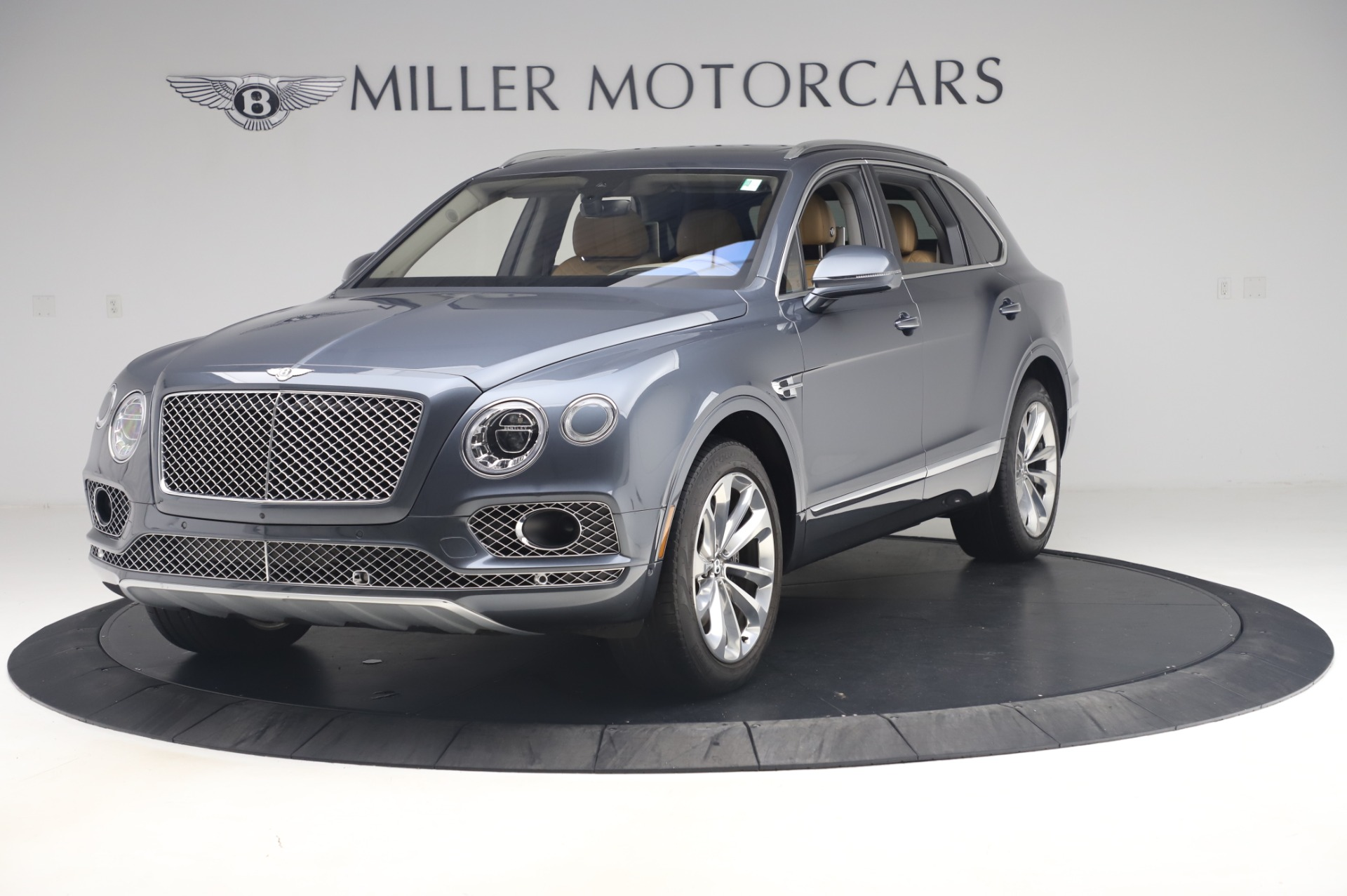 Used 2017 Bentley Bentayga W12 for sale Call for price at Maserati of Westport in Westport CT 06880 1