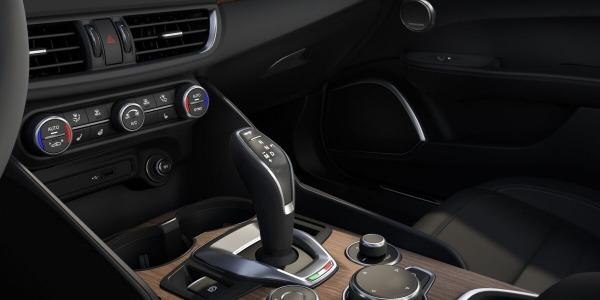New 2020 Alfa Romeo Giulia Ti Lusso Q4 for sale $51,195 at Maserati of Westport in Westport CT 06880 4