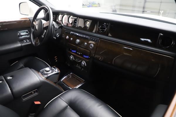 Used 2014 Rolls-Royce Phantom for sale $199,900 at Maserati of Westport in Westport CT 06880 15