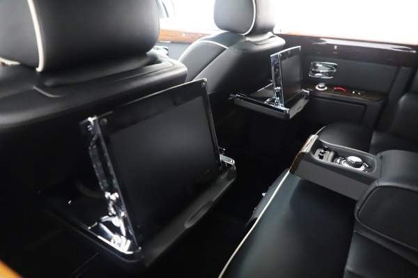Used 2014 Rolls-Royce Phantom for sale $199,900 at Maserati of Westport in Westport CT 06880 19