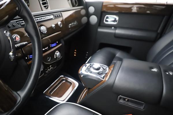 Used 2014 Rolls-Royce Phantom for sale $199,900 at Maserati of Westport in Westport CT 06880 21