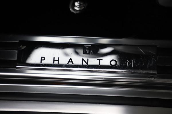 Used 2014 Rolls-Royce Phantom for sale $186,900 at Maserati of Westport in Westport CT 06880 24