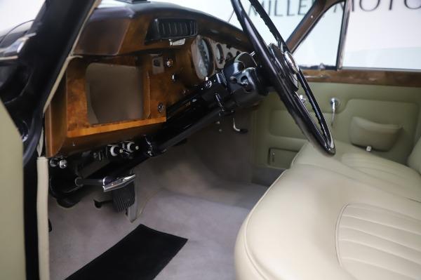Used 1965 Rolls-Royce Silver Cloud III for sale $99,900 at Maserati of Westport in Westport CT 06880 18