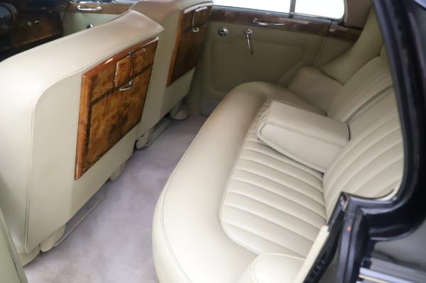 Used 1965 Rolls-Royce Silver Cloud III for sale $99,900 at Maserati of Westport in Westport CT 06880 19