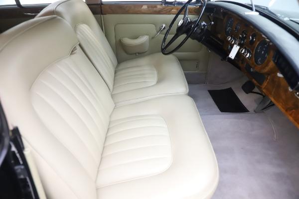 Used 1965 Rolls-Royce Silver Cloud III for sale $99,900 at Maserati of Westport in Westport CT 06880 24