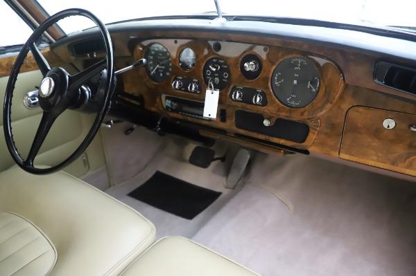 Used 1965 Rolls-Royce Silver Cloud III for sale $99,900 at Maserati of Westport in Westport CT 06880 25