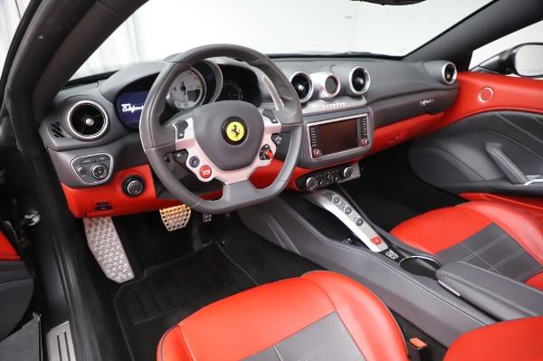 Used 2015 Ferrari California T for sale $141,900 at Maserati of Westport in Westport CT 06880 25