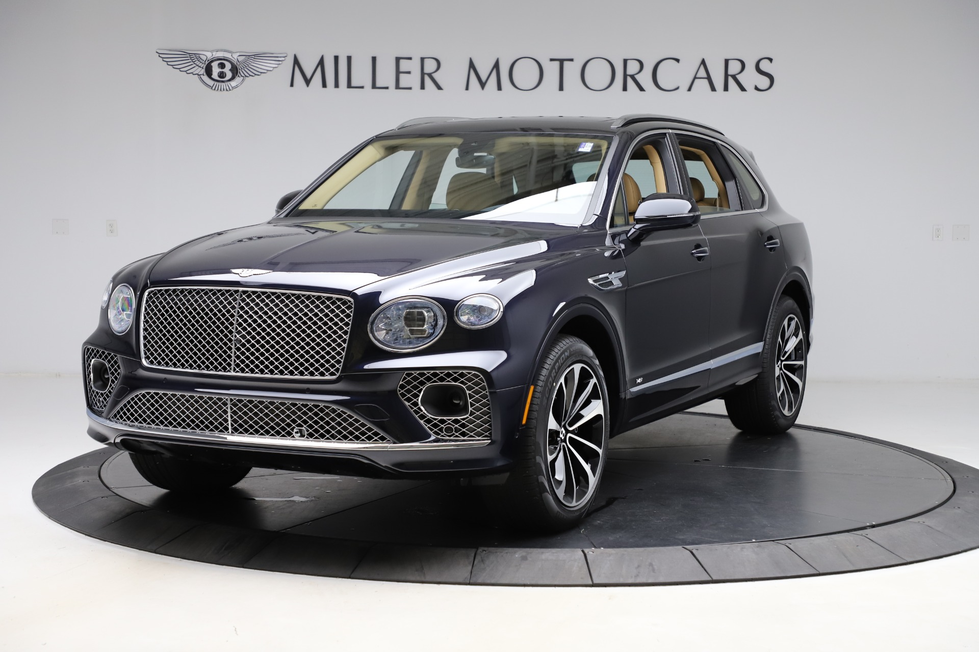 New 2021 Bentley Bentayga V8 for sale $209,755 at Maserati of Westport in Westport CT 06880 1