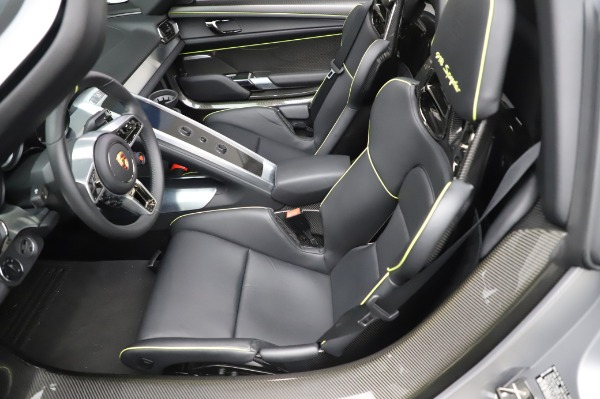 Used 2015 Porsche 918 Spyder for sale $1,389,900 at Maserati of Westport in Westport CT 06880 23