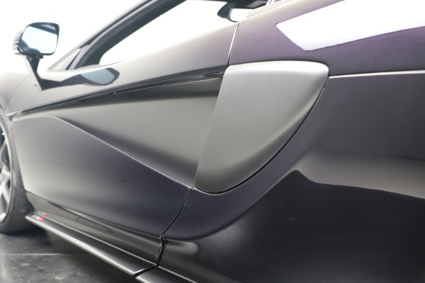 Used 2019 McLaren 570S Spider for sale Call for price at Maserati of Westport in Westport CT 06880 26